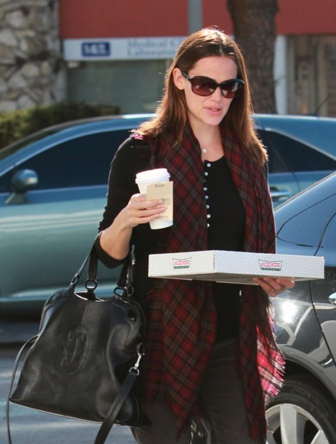 Non mais elle fait rêver avec cette grosse boite de donuts !