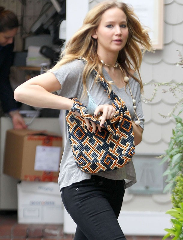 Jennifer Lawrence dans les rues de Los Angeles