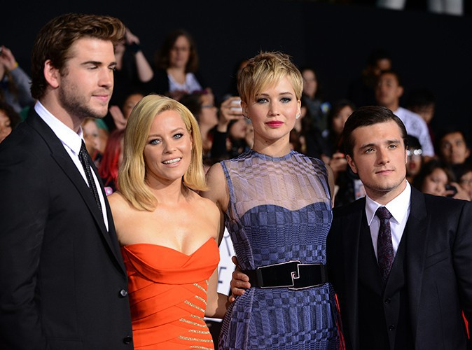 Liam Hemsworth, Elizabeth Banks, Jennifer Lawrence et Josh Hutcherson à Los Angeles le 18 novembre 2013