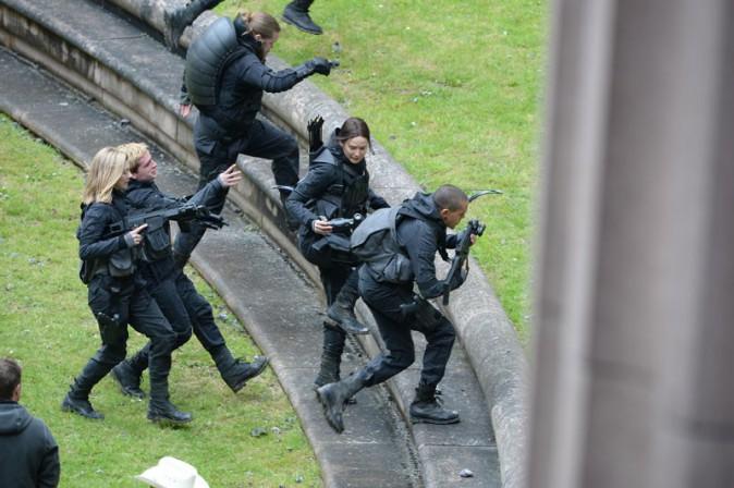 Photos jennifer lawrence de retour sur le tournage du for Immeuble camembert noisy le grand