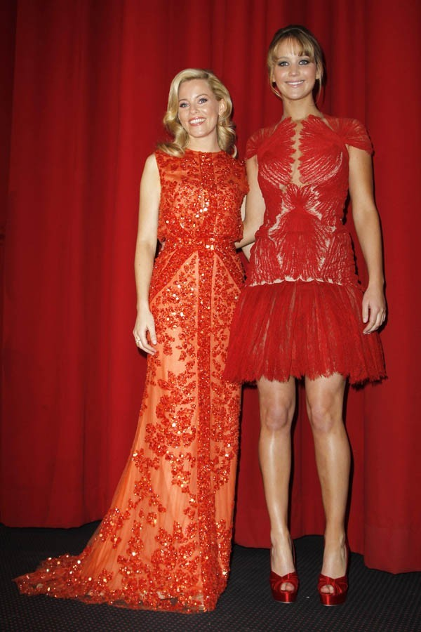 Elizabeth Banks et Jennifer Lawrence !