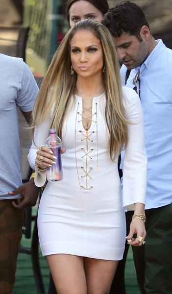 Jennifer Lopez arrive sur le plateau de l'émission American Idol, le 2 mai 2014.