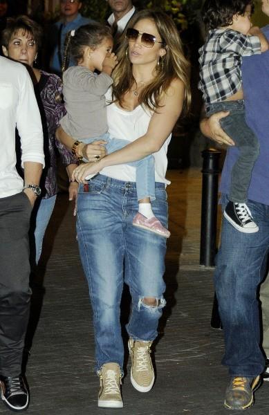 Jennifer Lopez en famille à Madrid, le 9 octobre 2012.