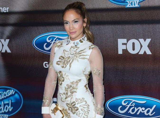 Jennifer Lopez : divine en Marchesa pour faire la f�te avec les finalistes d'American Idol XIV !