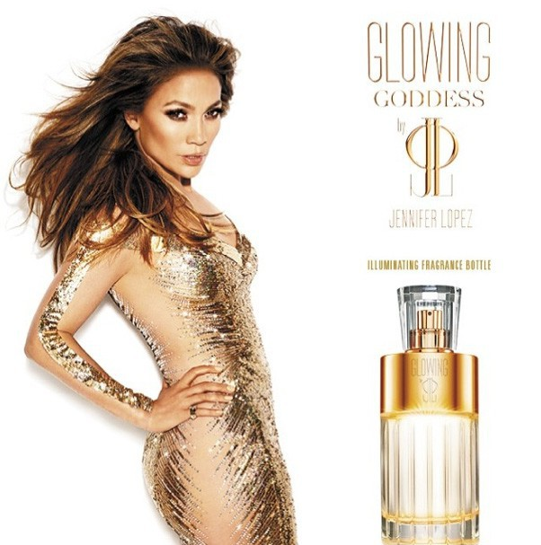 "La publicité de son parfum ""Glowing Goddess by JLO"""