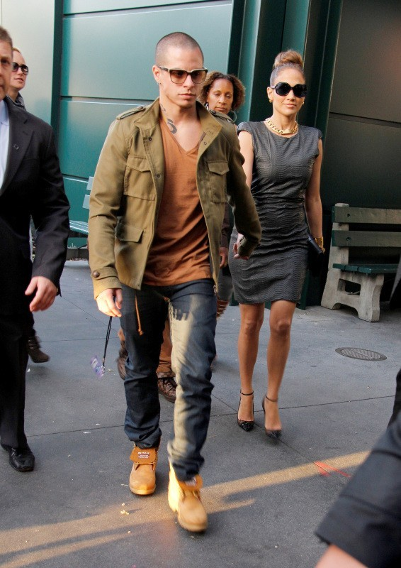 Jennifer Lopez et son chéri Casper Smart à Los Angeles, le 5 avril 2012.