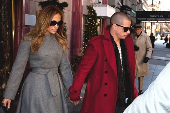 Jennifer Lopez à la sortie de son hôtel de New-York avec Casper Smart