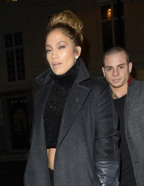 Jennifer Lopez et Casper Smart à Londres, le 22 octobre 2012.