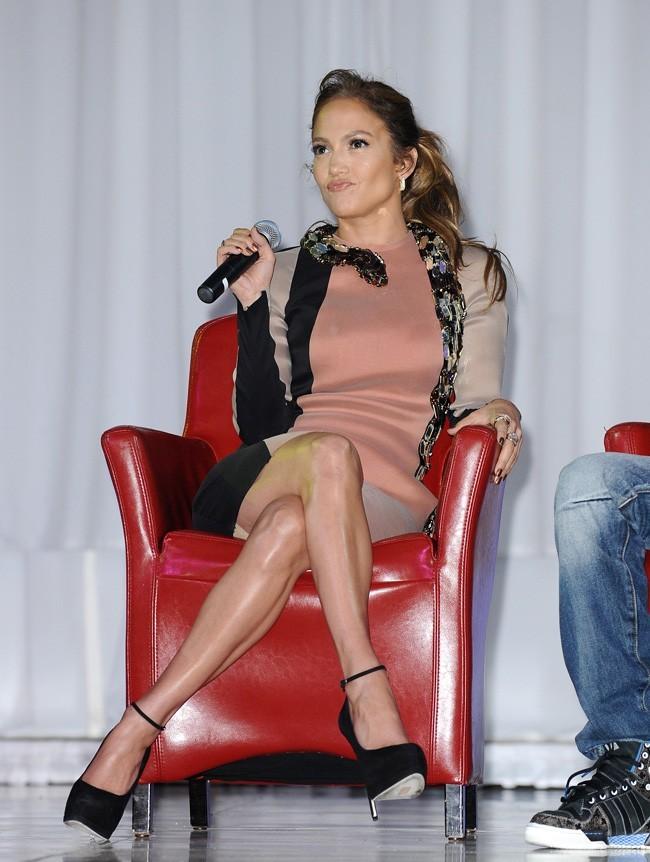 Jennifer Lopez , sexy en robe Lanvin
