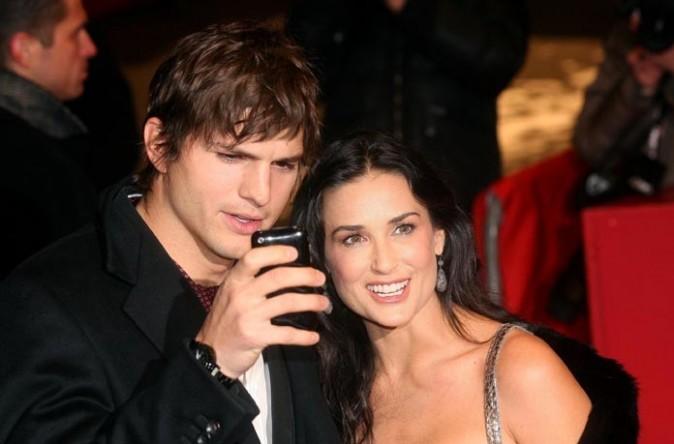 Ashton Kutcher et Demi Moore, décidément très Iphone !
