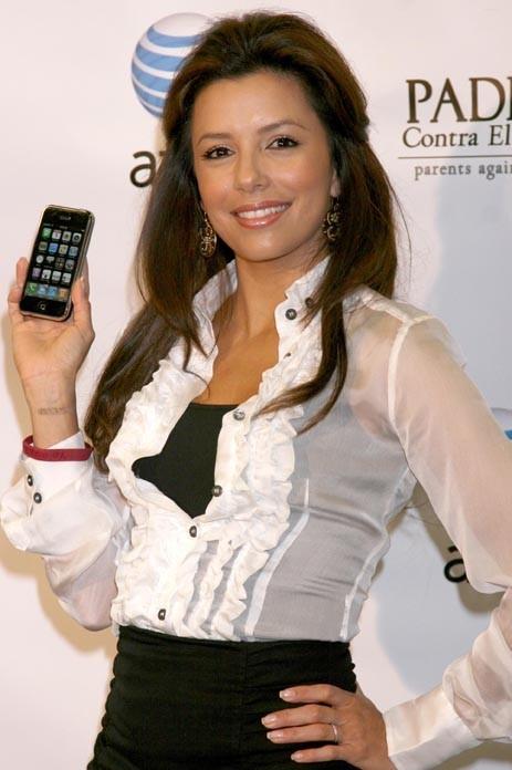 Eva Longoria, une grande adepte de l'Iphone