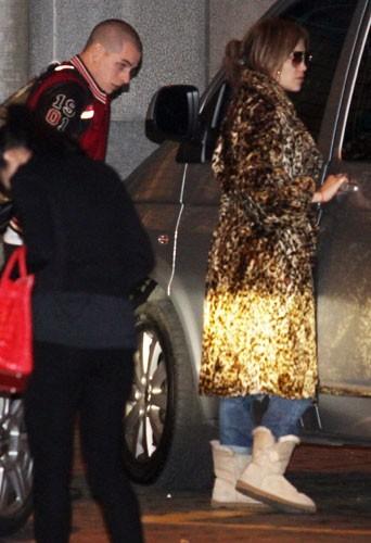 Jennifer Lopez, Casper Smart et les enfants à Belgrade hier