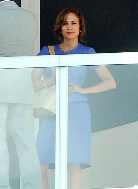 Jennifer Lopez attendrait-elle un bel homme ?