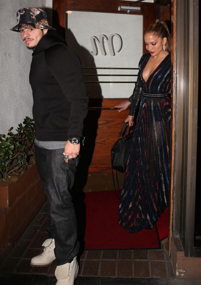 Photos : Jennifer Lopez toujours aussi hot alors que Casper se néglige…