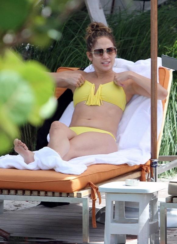 Comme tout le monde, J.Lo a des problèmes de maillot