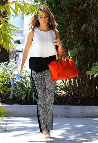 Jessica Alba à Los Angeles le 2 mai 2014