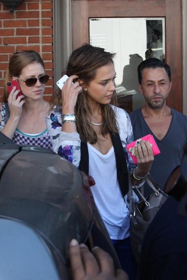 Jessica Alba le 23 août 2012 à Los Angeles