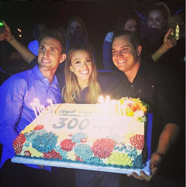 Photos : Jessica Alba : complice avec son mari, elle fête les trois ans de son entreprise !