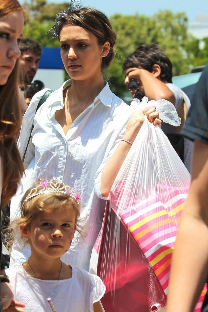 Jessica Alba et sa fille Honor lors de l'anniversaire de la fillette à Los Angeles, le 9 juin 2012.