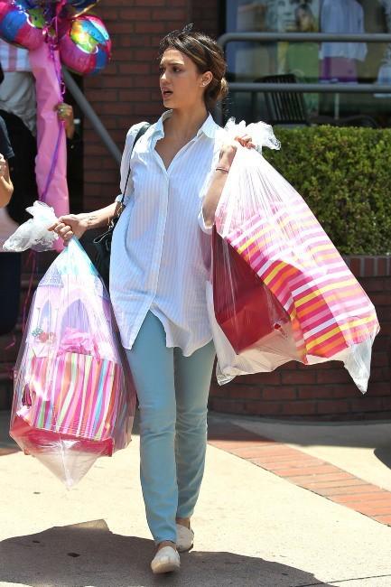 Jessica Alba lors de l'anniversaire de sa fille Honor à Los Angeles, le 9 juin 2012.