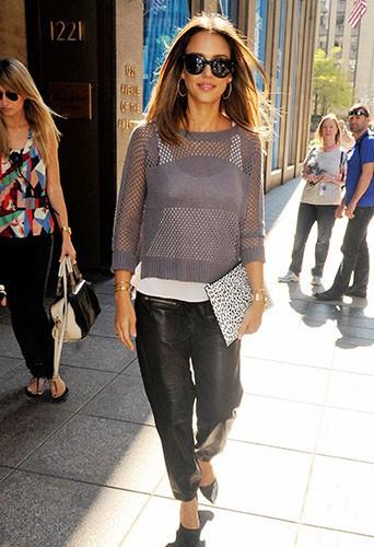Jessica Alba dans les rues de New York le 13 août 2014.