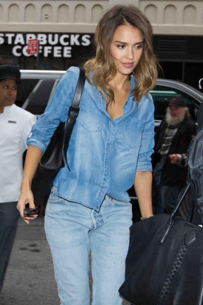 Jessica Alba : en jean des pieds à la tête pour la Fashion Week de New York !