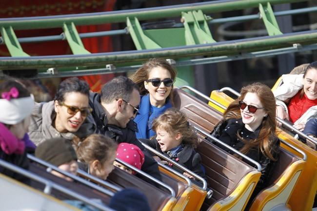 Jessica Alba et Honor Marie au jardin d'acclimatation de Paris le 3 mars 2013
