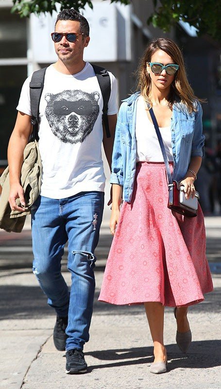 Jessica Alba et Cash Warren : le charmant couple fl�ne � New York