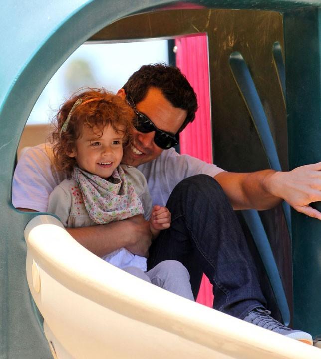 Cash, complètement gaga de sa fille !