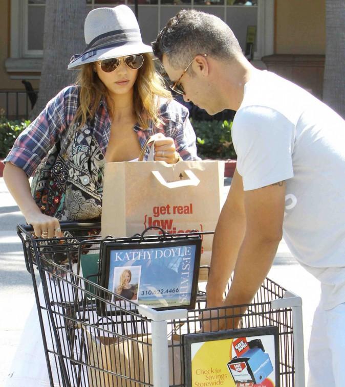 Jessica Alba et Cash Warren : quand ils ne sont pas sur le tapis rouge, ils font les courses !