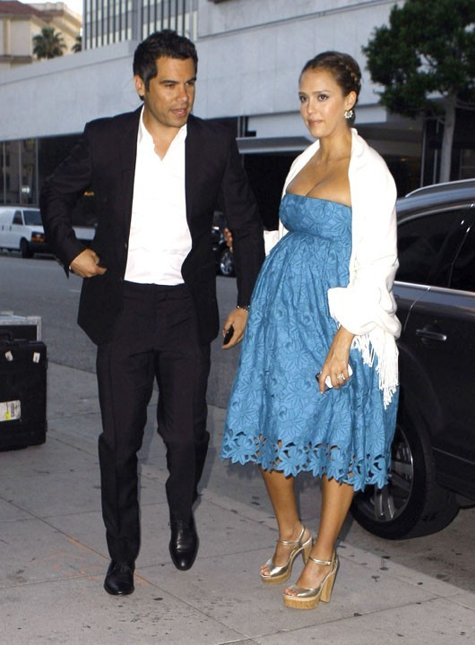 Sublime dans sa robe bleue !