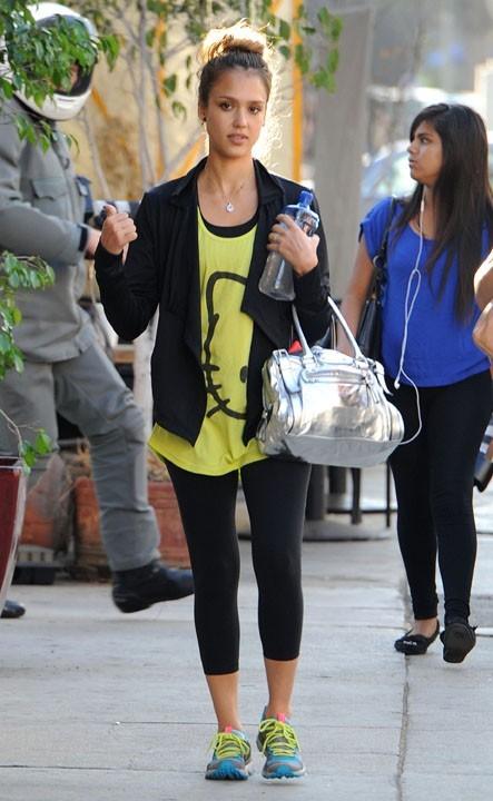 Jessica Alba dans les rues de Los Angeles le 28 septembre 2012