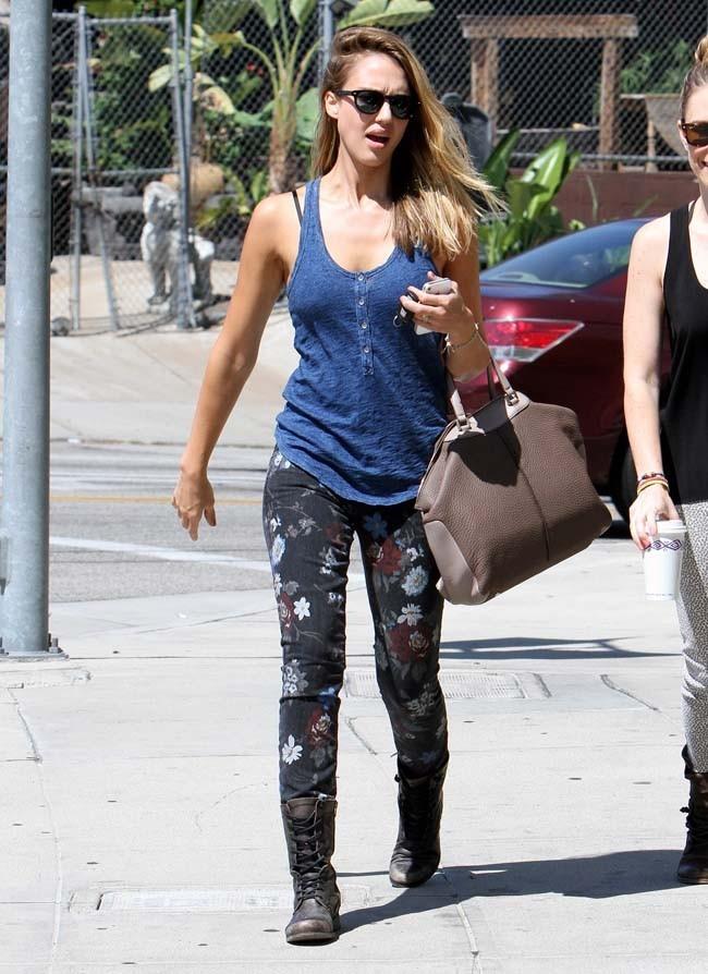 Jessica Alba le 26 août 2012 à Los Angeles