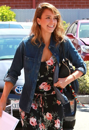 Jessica Alba à Los Angeles le 15 mai 2014