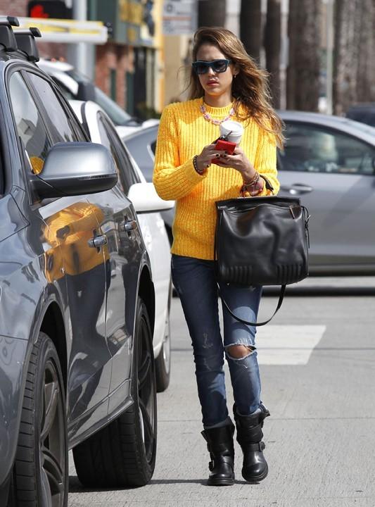 Jessica Alba à Santa Monica le 7 mars 2013