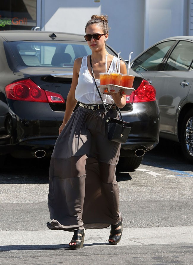 Jessica Alba le 13 août 2012 à Los Angeles
