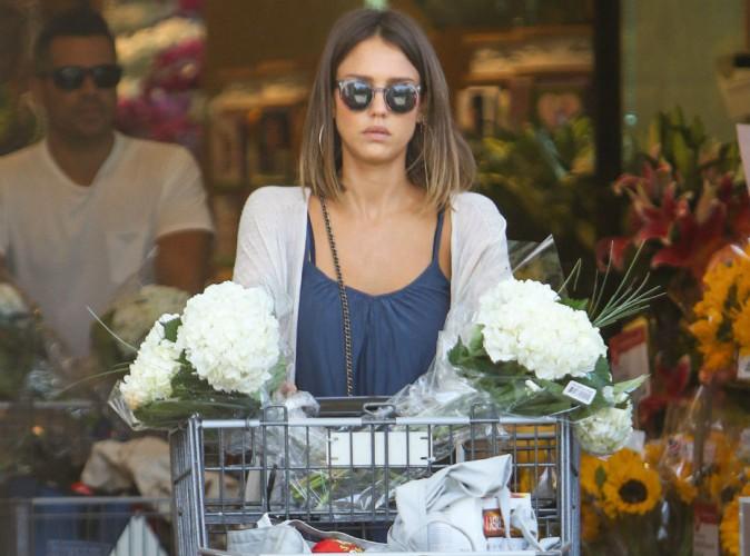 Jessica Alba : milliardaire, elle continue de faire ses courses elle-m�me !