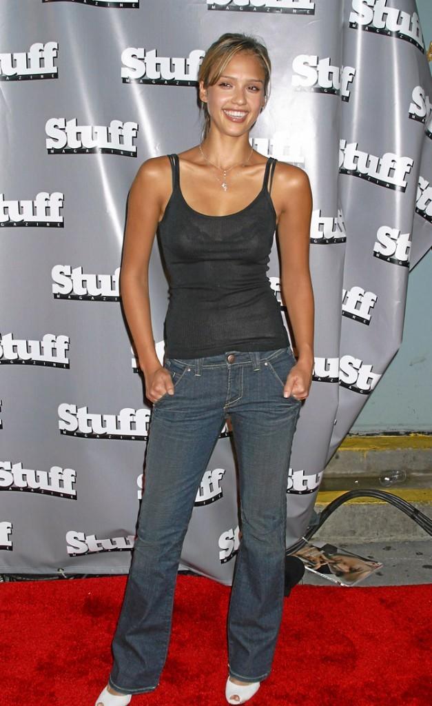 Jessica Alba à 20 ans : comment la préférez-vous ? Style décontracté...
