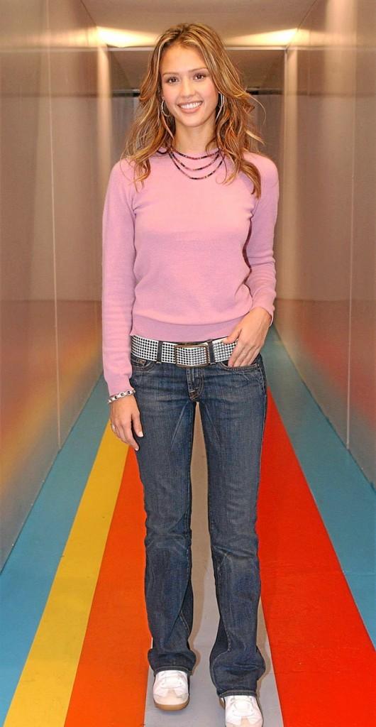 Jessica Alba à 20 ans : le style casual de l'époque