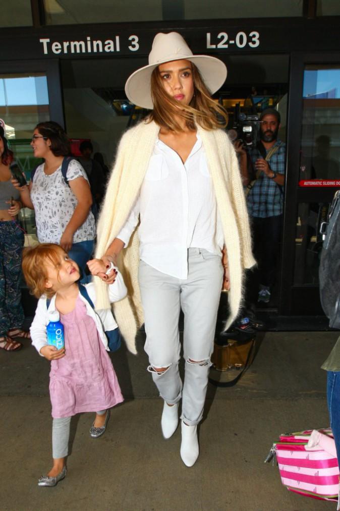 Jessica Alba et ses filles à New York le 16 septembre 2015