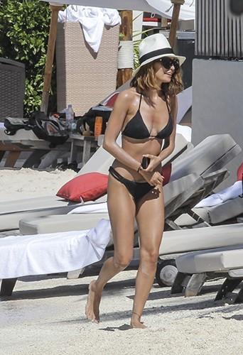 Nicole Richie aux Antilles le 6 avril 2013