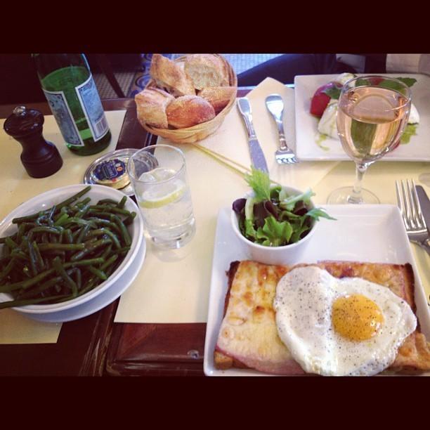 Déjeuner parisien