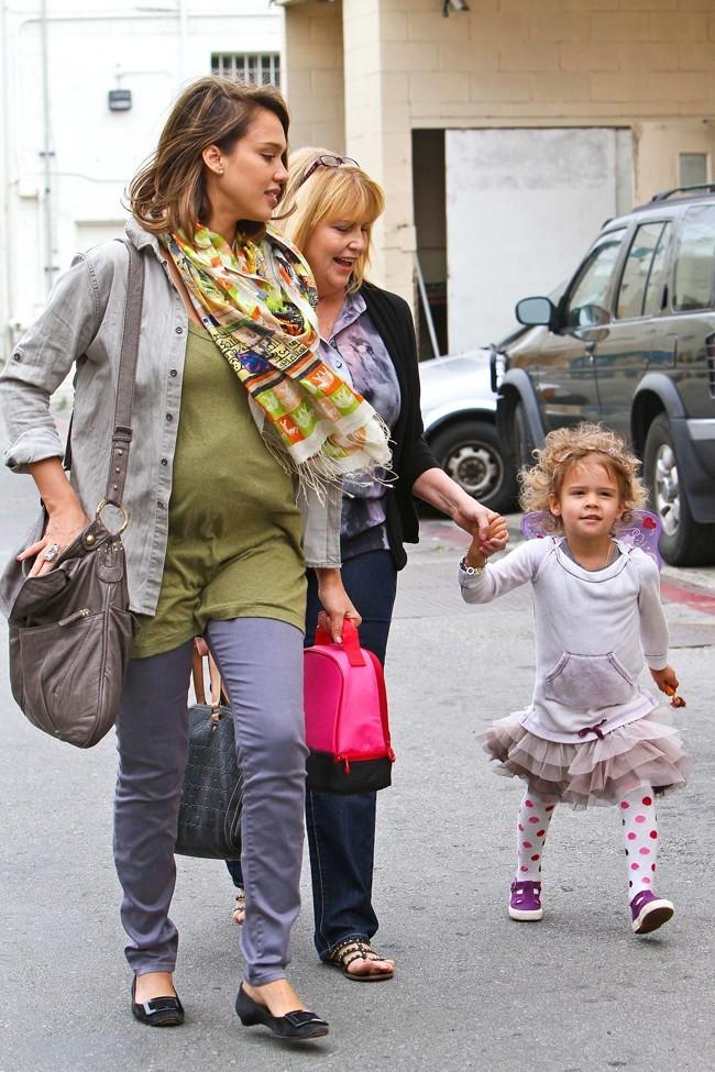 Jessica s'est elle aperçue que sa fille ressemble à un clown?