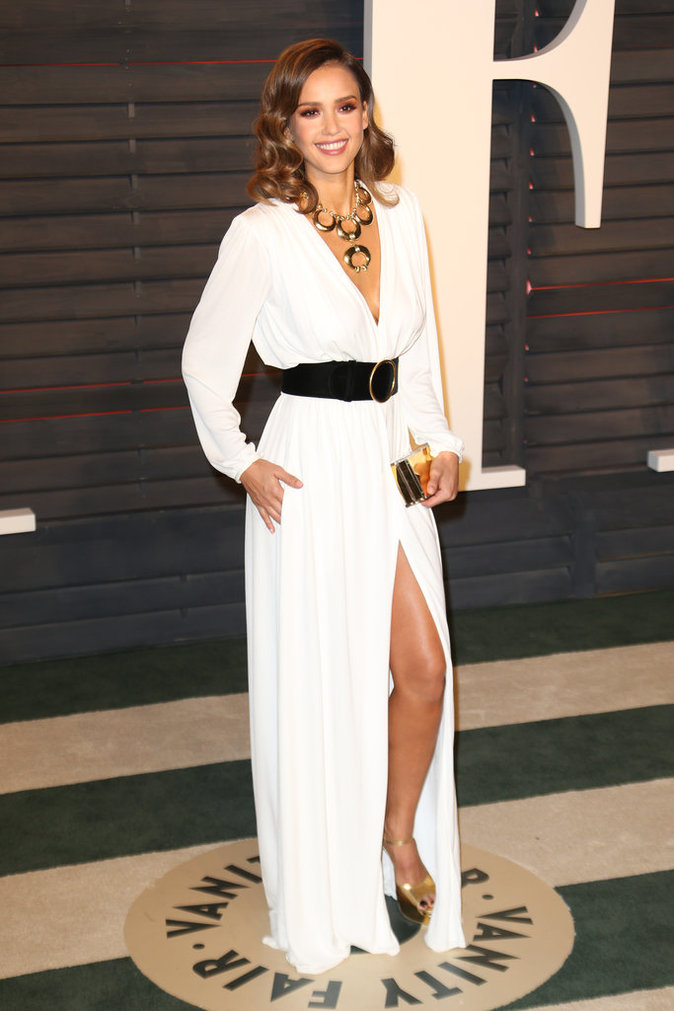 Jessica Alba a fait sensation à la Vanity Fair Oscar Party
