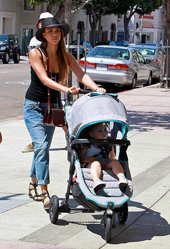 Jessica Alba à Los Angeles le 24 août 2013