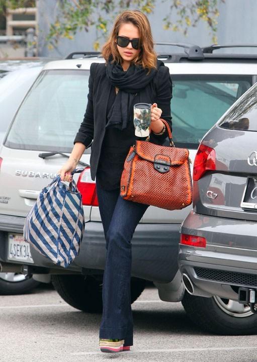Vous aimez son sac ?
