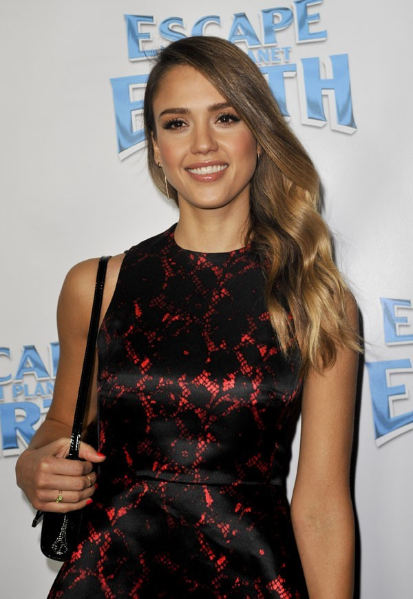 Jessica Alba sur le tapis rouge d'Escape From Planet Earth à Los Angeles le 2 février 2013
