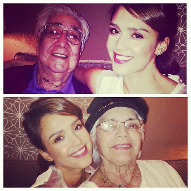 Jessica Alba et ses grands-parents lors du réveillon de Noël, le 24 décembre 2013.