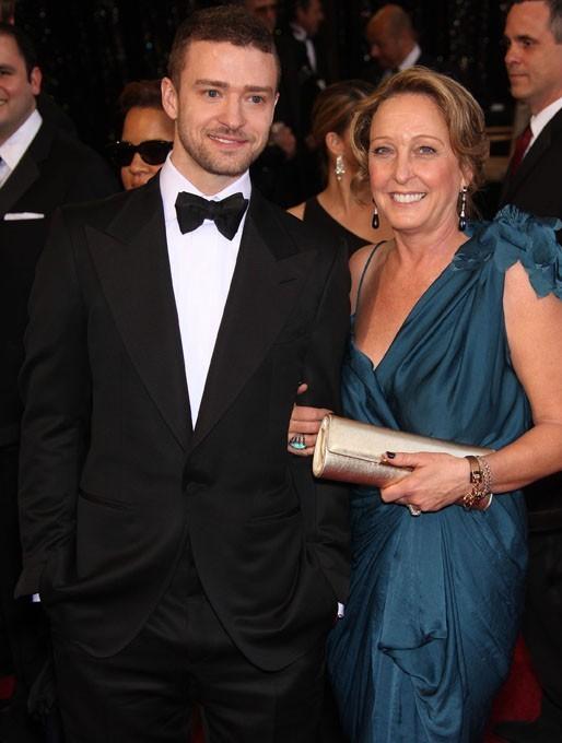 Justin est venu à la cérémonie avec sa maman