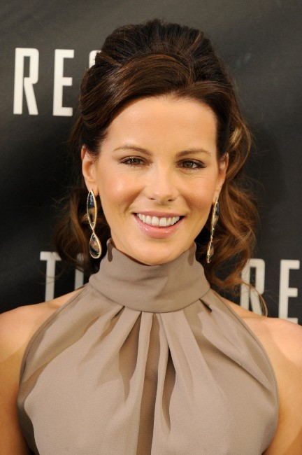 Kate Beckinsale, au top du glamour